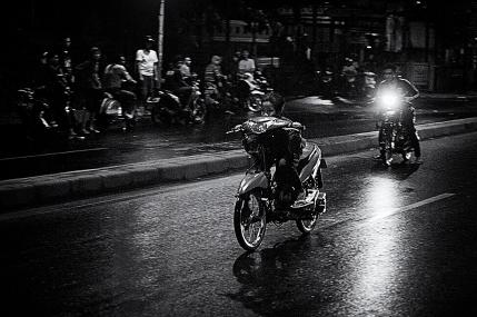 Joki cilik saat adu balap motor, di Jalan Pangeran Antasari, Jakarta